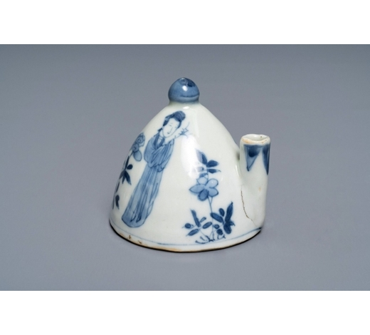 Rob Michiels AuctionsA Chinese blue and white 'Long Eliza' water dropper, Kangxi