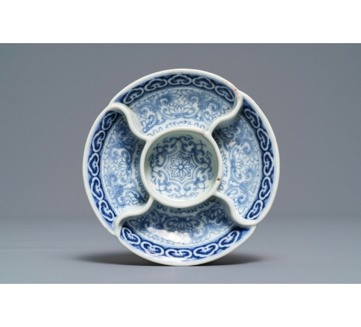 Rob Michiels AuctionsA Chinese blue and white spice tray, Qianlong mark, 18/19th C.