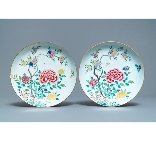 Rob Michiels AuctionsA pair of Chinese famille rose dishes with floral design, Qianlong
